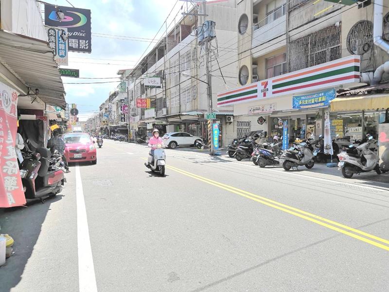 安南區文賢市場旁雙車店住,台南市安南區國安街